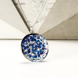 Naszyjnik dla dziewczyny na urodziny z ręcznie malowaną niebieską zawieszką 1