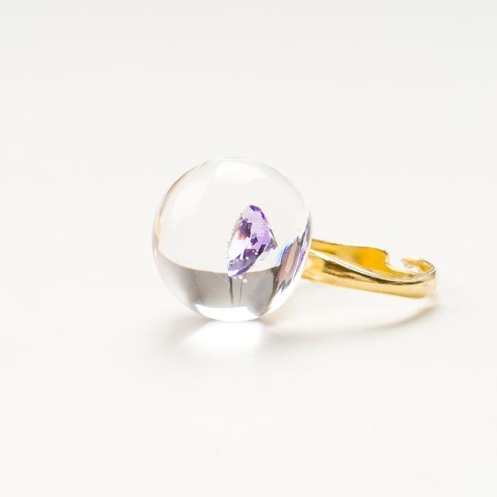 Pierścionek pozłacany z cyrkonią w kształcie serduszka