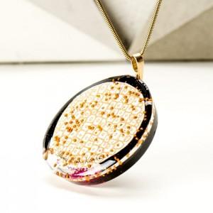 Naszyjnik złoto różowy zaprojektowany przez artystę