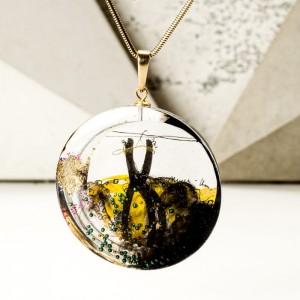 Personalizowana biżuteria na prezent, naszyjnik artystyczny pozłacany oliwkowo złoty 1
