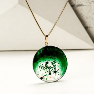 Złoto zielony naszyjnik
