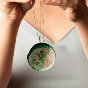 Naszyjnik artystyczny ręcznie robiony zielono złoty 33