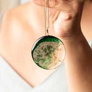 Naszyjnik artystyczny ręcznie robiony zielono złoty