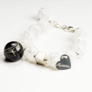Bransoletki srebrne z naturalnymi kamieniami i grawerem.1