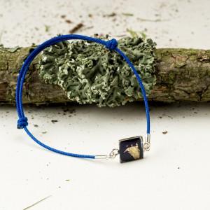 Bransoletka artystyczna na granatowym sznurku 2