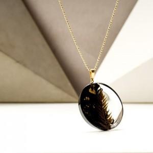 Biżuteria naszyjniki z roślinami i płatkami złota 1