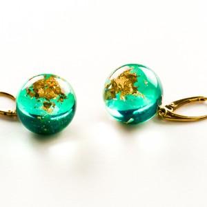 Kolczyki zielone z płatkami złota.1