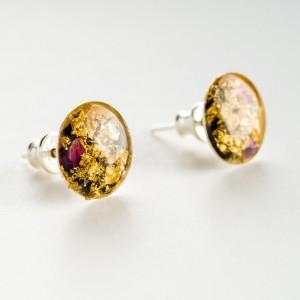 Kolczyki sztyfty złoto czarne z żywicy ręcznie robione artystyczne z różowymi wrzosami 77