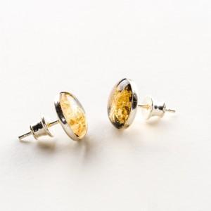 Biżuterię z charakterem, złote wkrętki.1