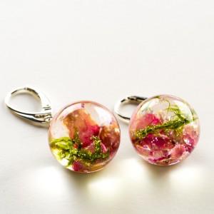 Kolczyki zielono różowe z żywicy 1