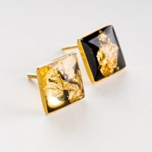 Kolczyki wkrętki złote kwadraty.