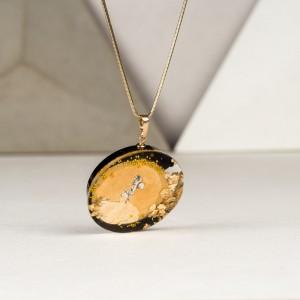 Złoty naszyjnik artystyczny ręcznie robiony.1