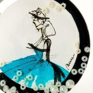 Biżuteria artystyczna, turkusowa sukienka.