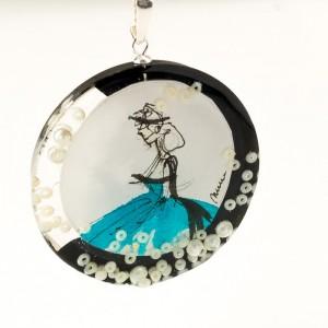 Biżuteria artystyczna, turkusowa sukienka.1