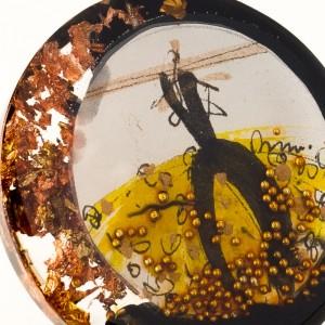 Biżuteria artystyczna, złota sukienka.2