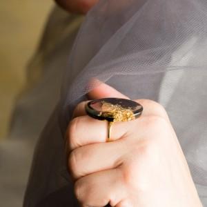 """Złoty Pierścionek artystyczny """"Podróż"""" z dużym czarno złotym oczkiem to biżuteria artystyczna 2"""