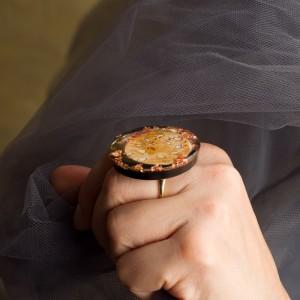 """Pierścionek artystyczny """"Spotkanie"""" to ręcznie zrobiona i malowana biżuteria artystyczna nr 2"""