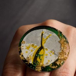 Pierścionek artystyczny Żółta Sukienka oryginalna biżuteria artystyczna ręcznie malowana 1