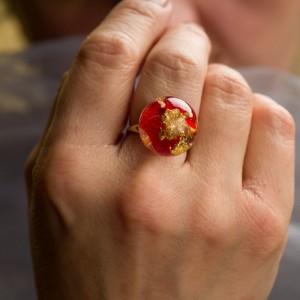 """Pierścionek z czerwonym płatkiem róży """"Natura"""" 1"""