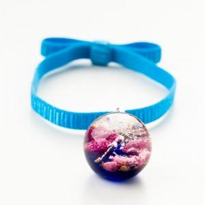 Biżuteria- bransoletka z suszonymi kwiatami.