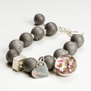 Klasyczne bransoletki damskie z kamieniami naturalnymi.