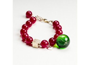 Czerwona bransoletka z grawerem dla przyjaciółki.