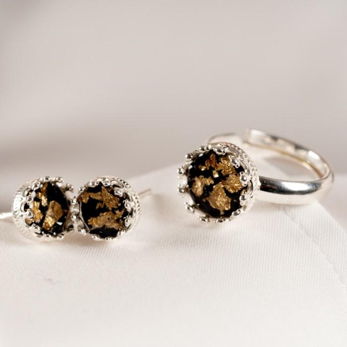 Komplet biżuterii srebrnej do białej koszuli- pierścionek.