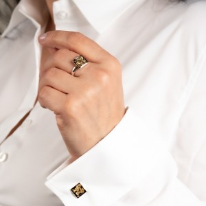 Pierścionek kwadrat do białej koszuli. 1