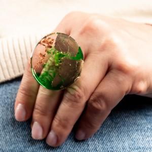 Biżuteria do jeansów, zielony pierścionek.