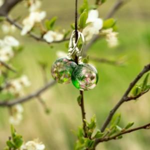 Kolczyki zielone z kwiatami, wiosenna biżuteria.1
