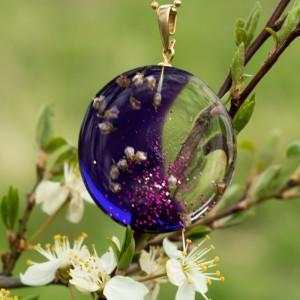 Naszyjnik z kwiatami na wiosnę.1