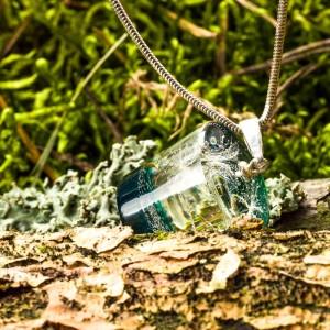 Zielony naszyjnik inspirowany naturą.1