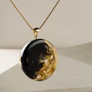 Oryginalna biżuteria artystyczna, złoty naszyjnik na urodziny, naszyjnik ręcznie malowany z dużą złotą półkulą