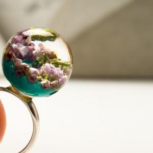 Unikalny pierścionek.