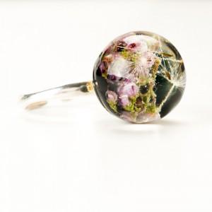 Srebrny pierścionek z kwiatowym oczkiem.1