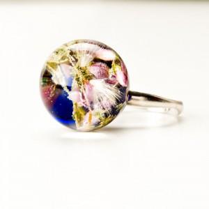 Suszone kwiaty w pierścionku.1