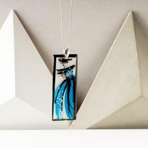 Autorski ręcznie malowany naszyjnik z turkusową zawieszką – personalizowana biżuteria handmade