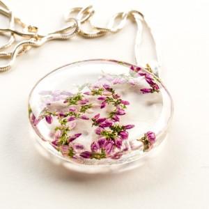 Naszyjnik z suszonymi kwiatami 1