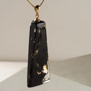 Wisiorki damskie wyjątkowa autorska biżuteria.