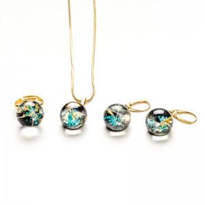 Elegancki komplet komplet biżuterii złoconej.