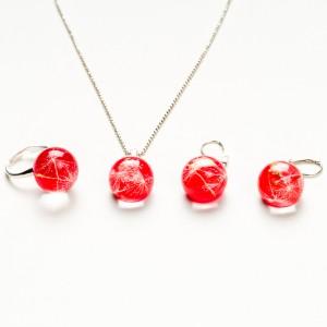 Komplet biżuterii srebrnej dla dziewczynki.