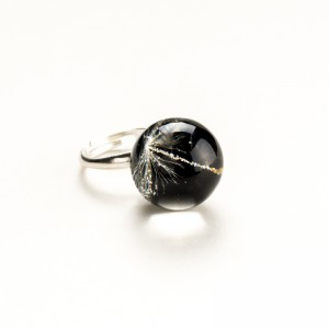Komplet biżuterii srebrnej do czarnej sukienki.1