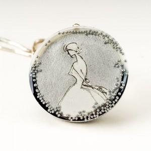 Biżuteria artystyczna, naszyjnik srebrny i srebrna grafika.1