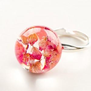 Pierścionek artystyczny z różowym oczkiem z prawdziwymi wrzosami 2