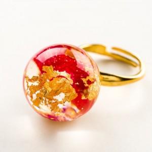 Pierścionek artystyczny pozłacany złoto-czerwony z czerwonymi płatkami róży