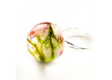 Pierścionek artystyczny z dużym oczkiem z prawdziwym zielonym mchem i wrzosem 3