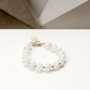Bransoletka artystyczna damska srebrna z białych koralików kryształów górskich