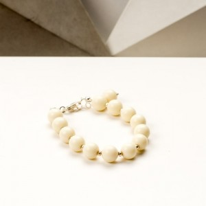 Srebrna bransoletka z naturalnych kamieni - kremowych jadeitów