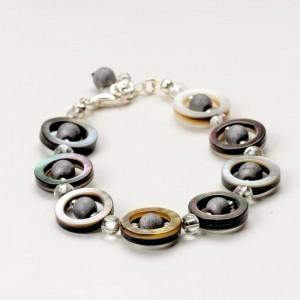 Bransoletka artystyczna damska z naturalnych kamieni hematytów i masy perłowej 2