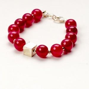 Czerwona bransoletka artystyczna damska z czerwonych korali 1